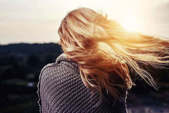 Różne przyczyny wypadania włosów