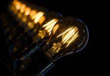 Designerskie lampy do sypialni
