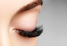 Zjawiskowe spojrzenie i perfekcyjnie podkręcone rzęsy – taki efekt uzyskasz tylko w najlepszym salonie!