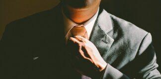 szafa kapsułowa dla mężczyzny